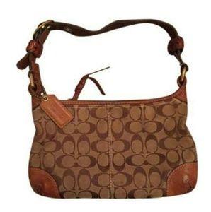 💕 EUC Coach Signature canvas & Leather bag